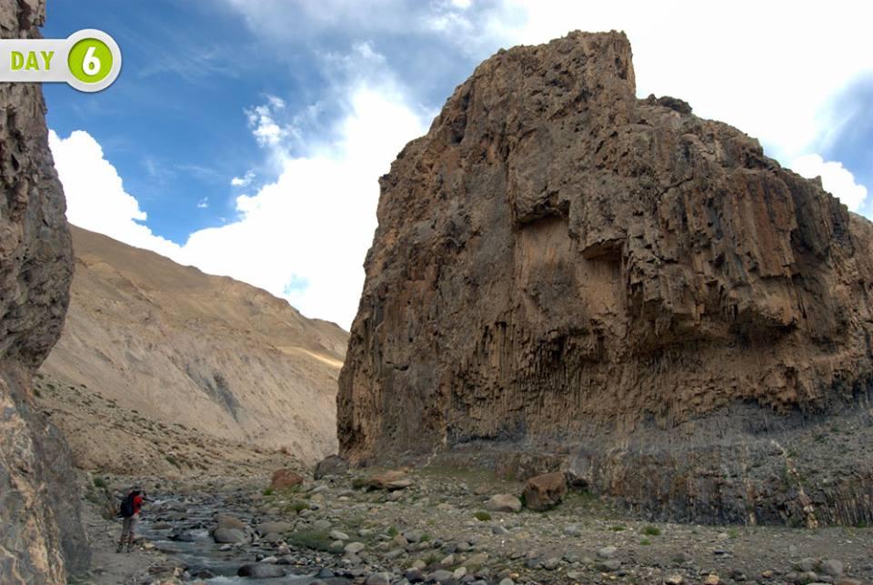 Way to Thochuntse , Nimaling Chu gorge