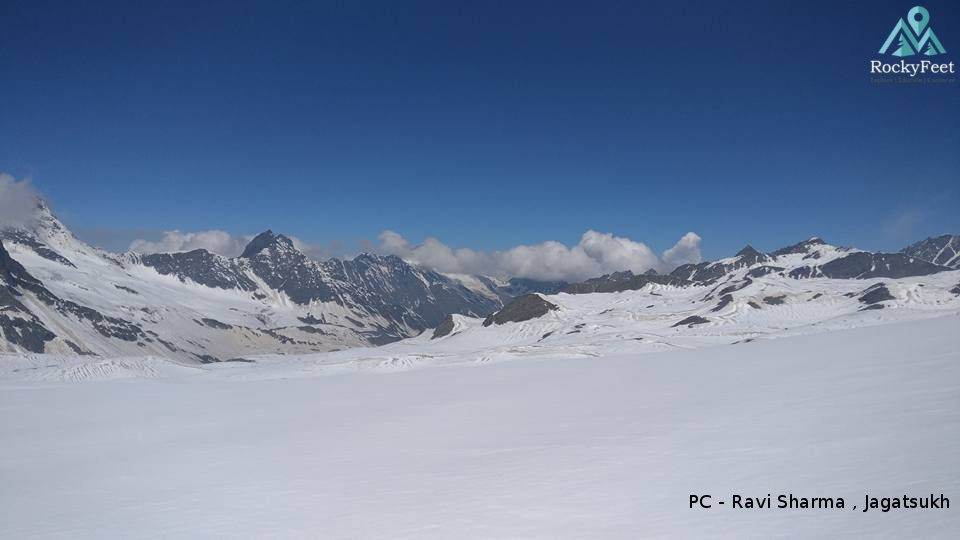 Leaving Bhangal. Upper snow fields near Thamsar